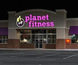Planet-Fitness-tells-Bay-Area-woman-to-cover-up-because-her-toned-body-is-intimidating